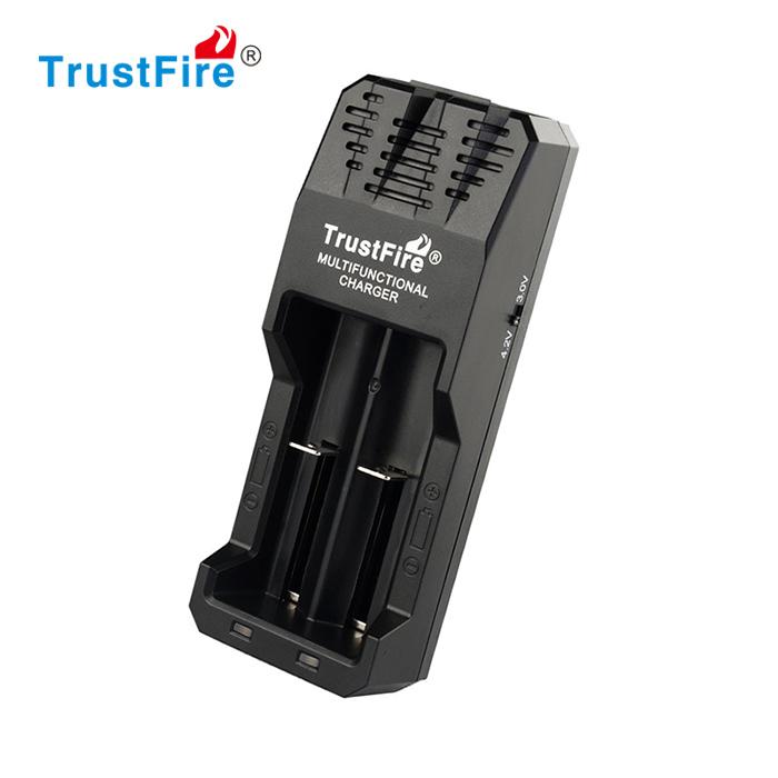 Trustfire TR-015 Nabíječka Li-Ion baterií